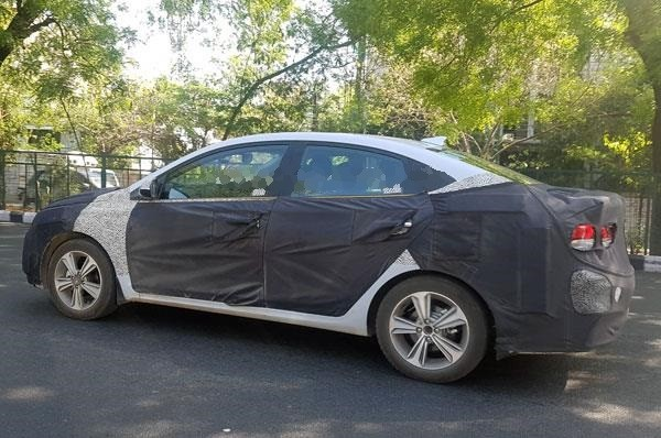 Hyundai Verna spied in India, may launch in this august