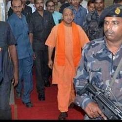 योगी सरकार ने किया सबसे बड़ा प्रशासनिक फेरबदल, 84 IAS और 54 IPS अधिकारियों के ट्रांसफर