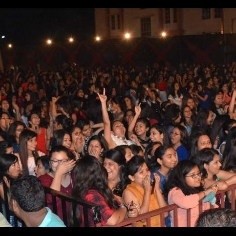 kailash kher in uttaranchal university