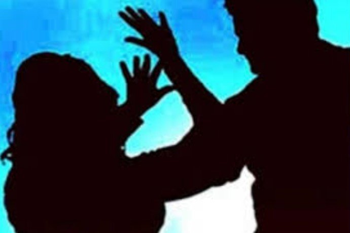 man beats his wife in lucknow