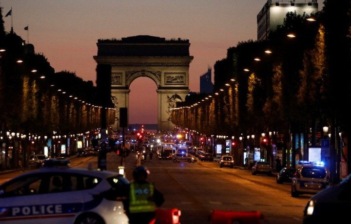 One policeman killed after shooting incident in Paris