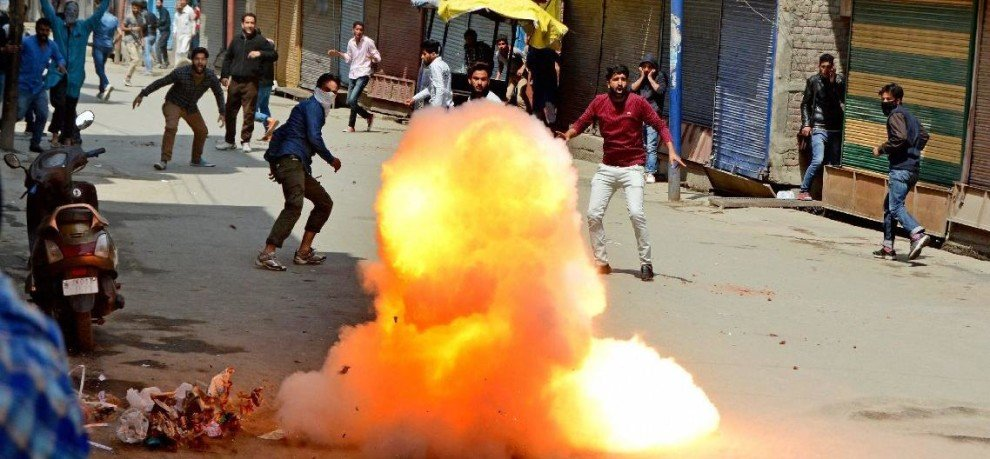 kashmir unrest continues on friday