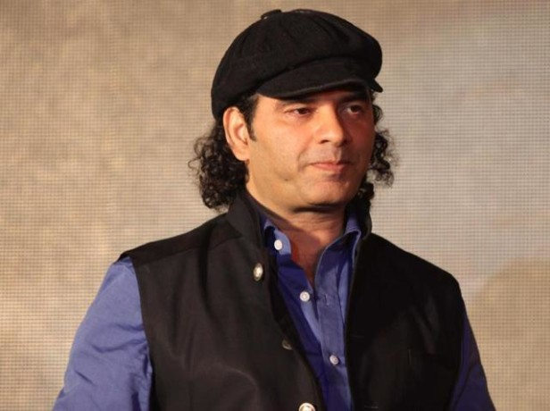 MOHIT CHAUHAN PERFORMS AT VARANASI
