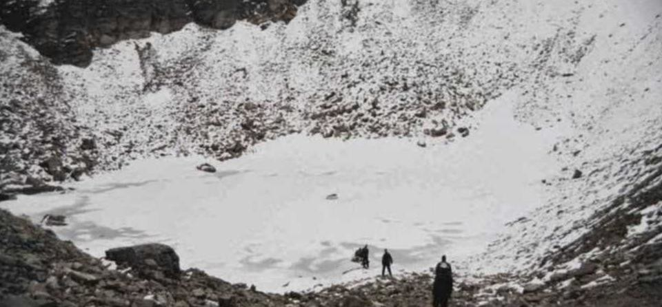 mystery of roopkund lake in uttarakhand