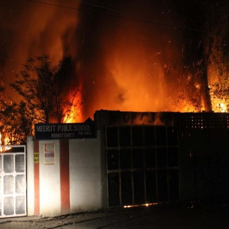 The heavy fire in the warehouse of Historiator Haji Gali, Burnt luxury carts, view Photos