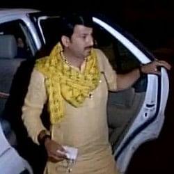 दिल्ली बीजेपी अध्यक्ष के घर पर हमला, मनोज तिवारी ने लगाया जानलेवा साजिश का आरोप