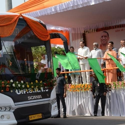 yogi adityanath flags off state transport buses.