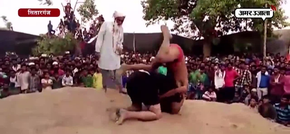 PUNJABI WOMAN WRESTLER DEFEATED BIHAR WRESTLER IN SITARGANJ