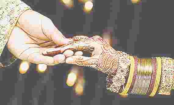 after fight compromise in police station, marriage in mosque