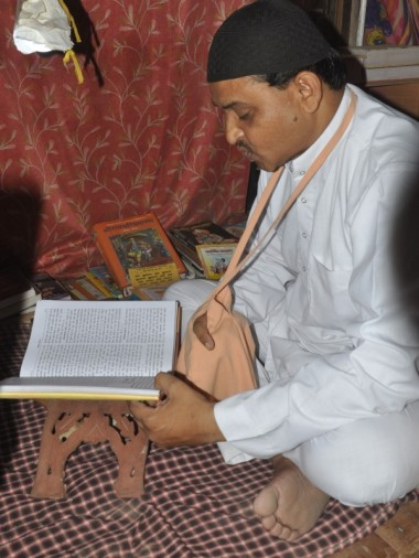 abdul gaffar of agra have equal faith in islam and hindu mythology