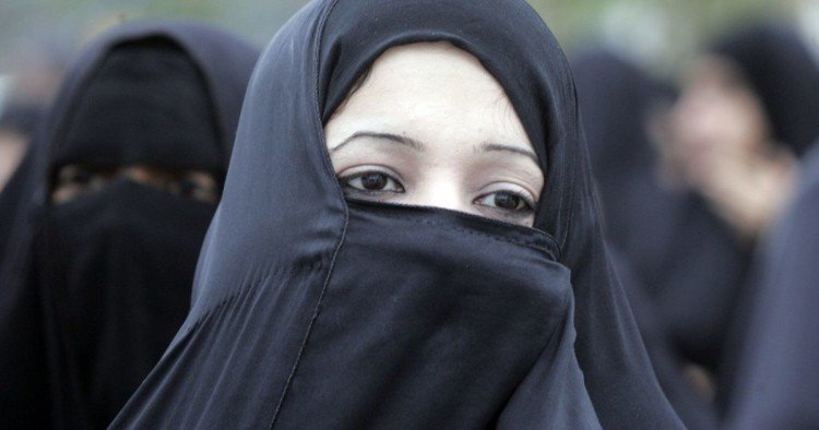 Austria moves to ban wearing of burqa