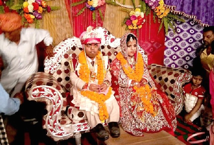 Himachal bride and groom become the country's smallest couple.