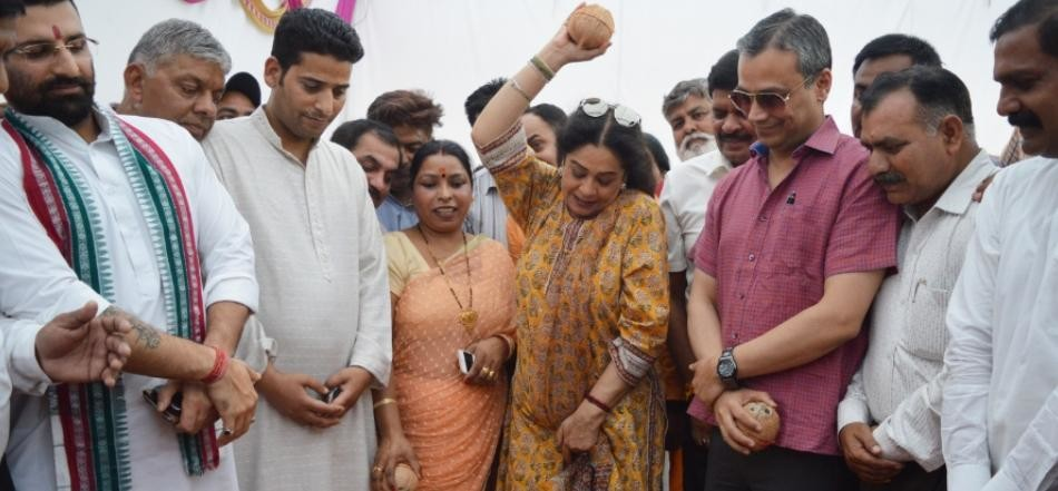 chandigarh mayor asha jaiswal, mp kirron kher, chandigarh news