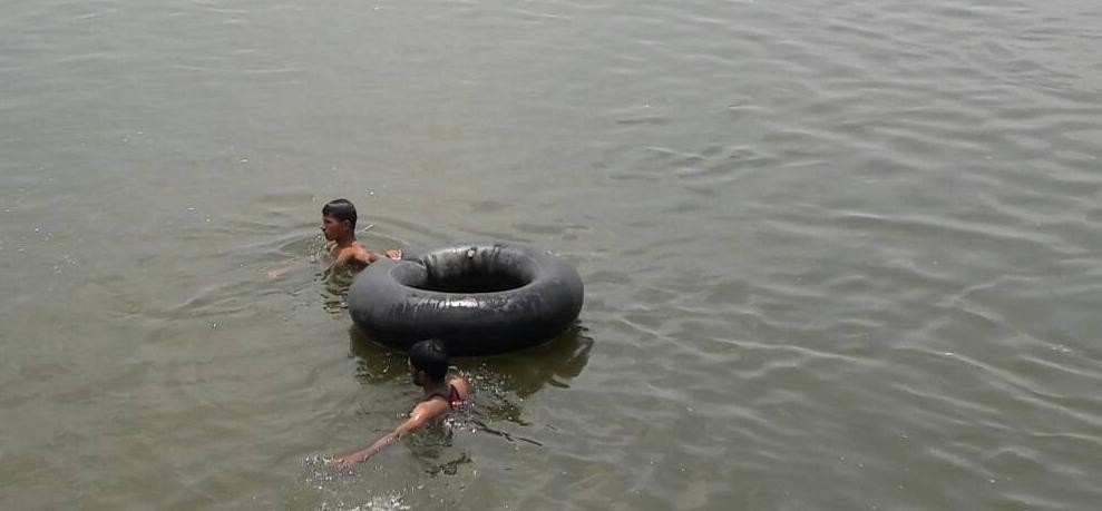one died after diving in yamuna in mathura