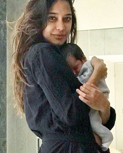 Lisa Haydon's Baby Son Zack Is New Internet Star see picture