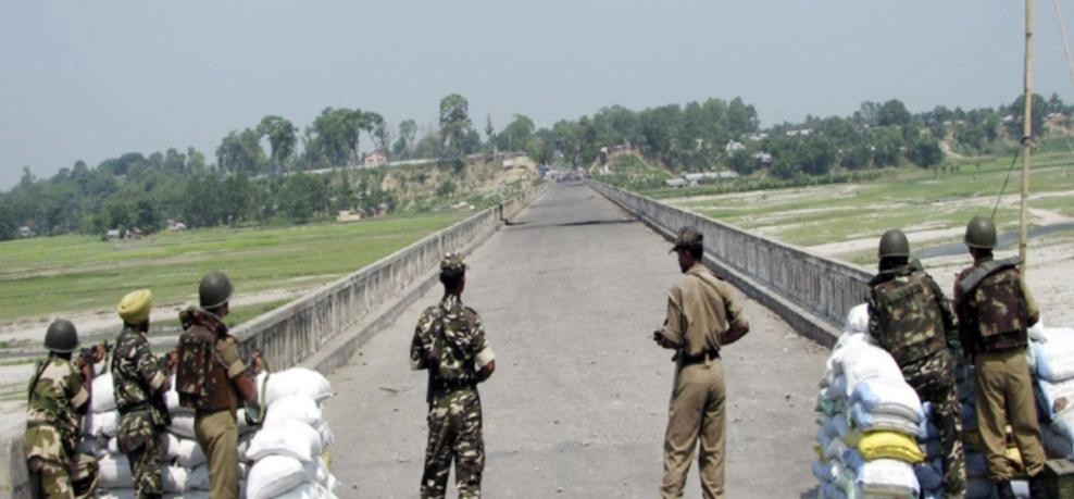 Smugglers abscond from indo nepal border