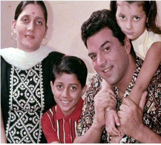 actor-sunny-deol-attacked-हमला-on-step-mother-hema-malini-with-knife-know-details