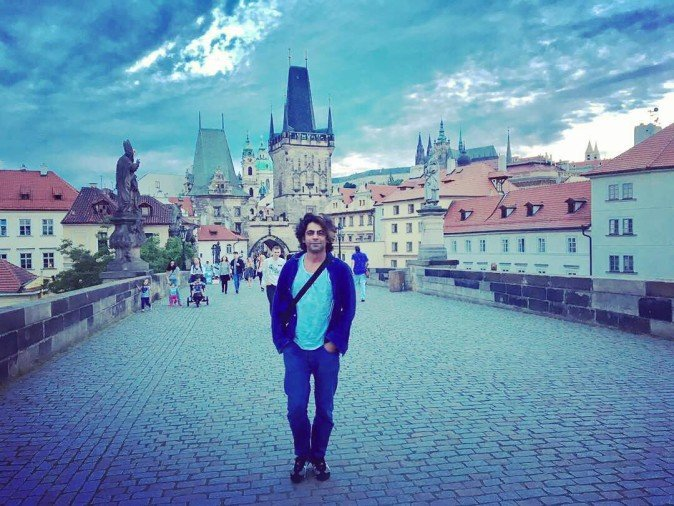 sunil grover at prague for live show kapil sharma waiting for comeback
