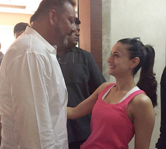 bollywood-ke-kisse-when-ameesha-patel-accused-sanjay-dutt-of-touching-her-inappropriately