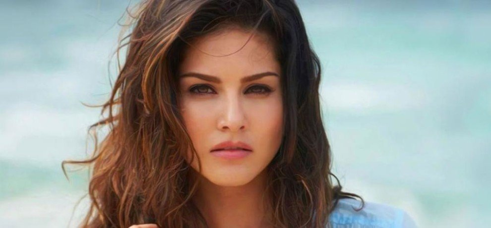 Sunny Leone Profile: Height, Age, Wife, Affairs, Biography | Amar Ujala