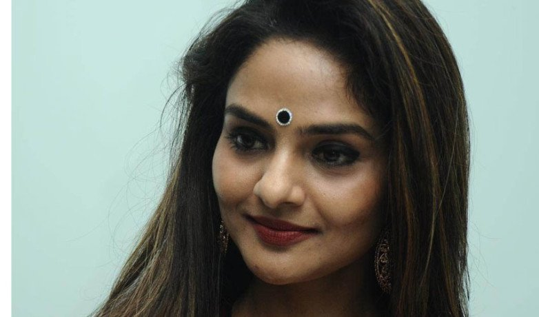 veteran-actress-madhoo roped-sivagami-role-in aarambh