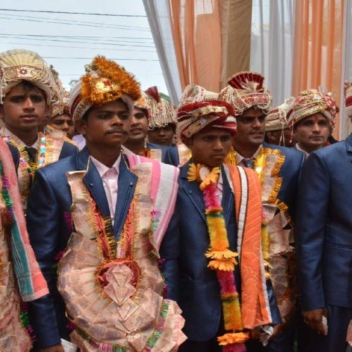 Poor boys and girls group marriage in dehradun