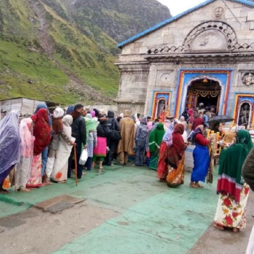 pilgrims discreasing to go kedarnath and badrinath