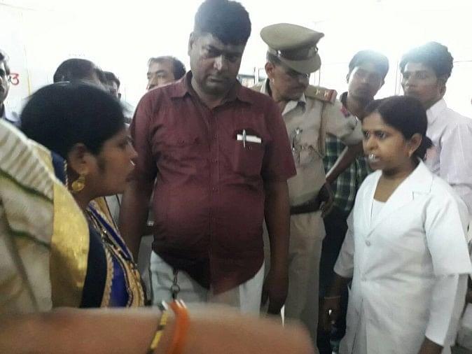 Image result for अब अस्पताल में घुसकर बदमाशों ने नर्स से करी छेड़छाड़