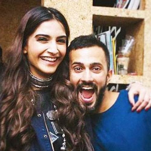 Anand Ahuja Posts Pictures With Girlfriend Sonam Kapoor On Instagram
