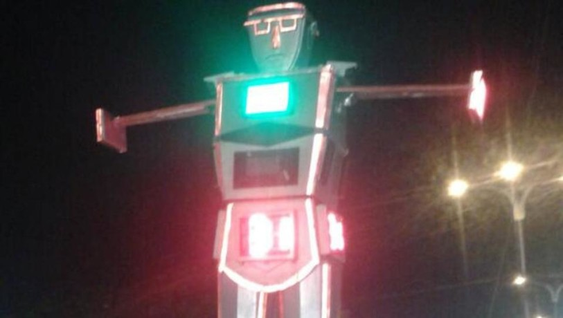 Indore India first city to use robot to control unruly traffic