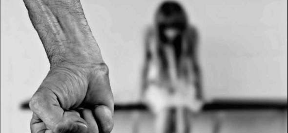 man arrested in molesting a girl in greater noida