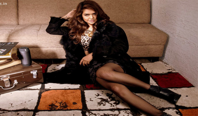 Esha Gupta looks hot in latest shoot