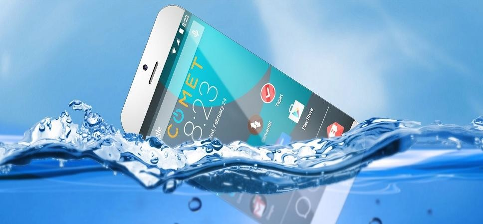 How to protect smartphone from water damaged at home