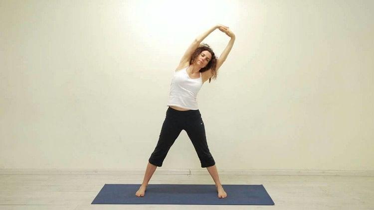 रोजाना ताड़ासन करने से शरीर स्वस्थ और फिट रहता है- सांकेतिक तस्वीर