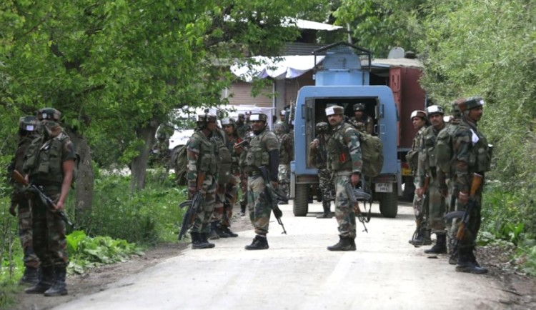 massive searches in kashmir in search of terrorists