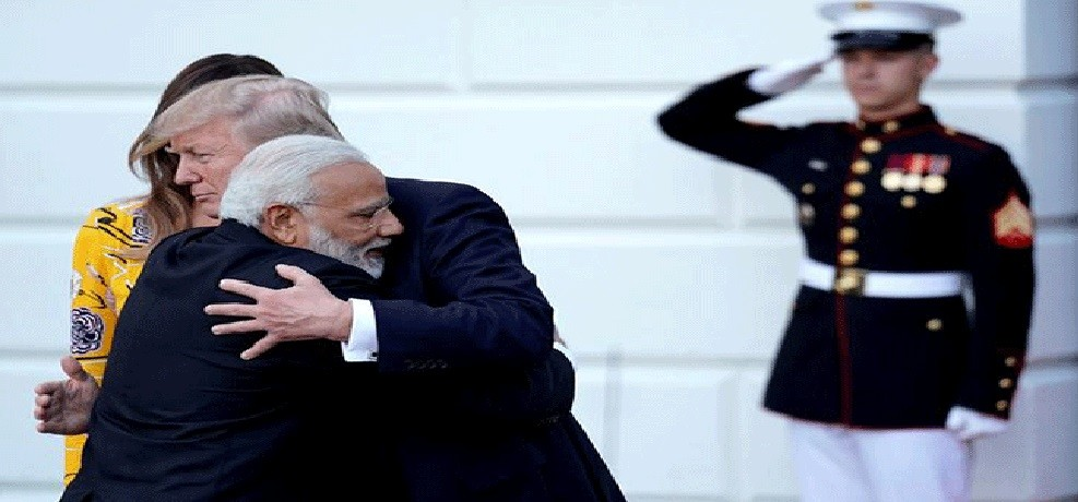 pictures of pm modi and donald trump meeting