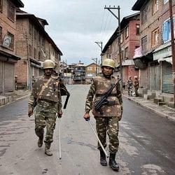 अलगाववादियों की गिरफ्तारी के खिलाफ श्रीनगर बंद, कई इलाकों में धारा-144 लागू