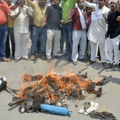 gst protest in varanasi effect buisness of 600 crore