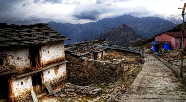 Palayan Aayog Report Released 16207 People Of Uttarakhand Left Village  Permanently - पलायन आयोग की रिपोर्ट में खुलासा, अल्मोड़ा के 16207 लोग  स्थायी रूप से छोड़ चुके हैं गांव - Amar Ujala ...