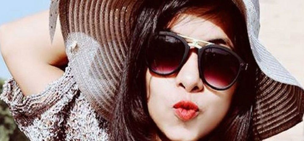 dhinchak pooja bigg boss 11 eliminated contestant gets new show named entertainment ki raat