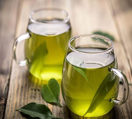 green teaबालों को झड़ने से रोकने के 10 आसान तरीके !