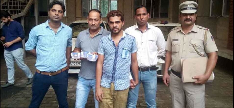 delhi thief called robin hood  arrested