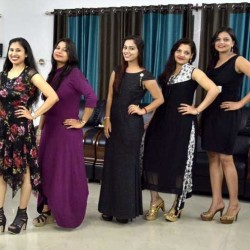 see the photos of mrs banaras contest ramp walk