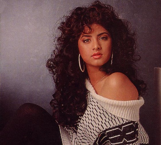 unknow facts about Divya Bharti on her death anniversary