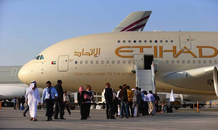 etihad plans to buy stake in jet airways, companies in talk with banks