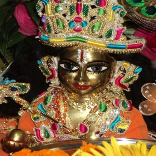 janmashtami 2017: why offered to lord krishna mishri and 56 types of food