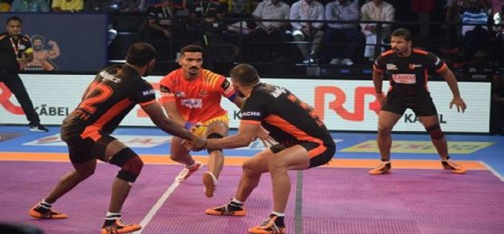 pro kabaddi league: gujrat fortune joints defeat u mumba by 39-21