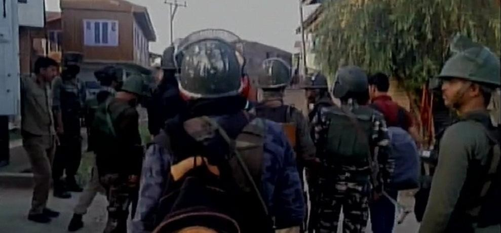 encounter between security forces & terrorists in Awneera village of jammu and kashmir