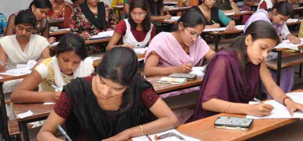 aicte decide to close engineering colleges if the seats are vacant