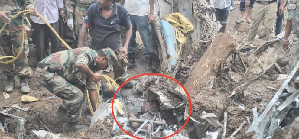 himachal landslide in mandi 34 died 30 missing